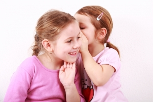 kids_whispering